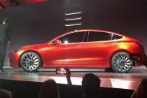 Tesla Model 3发布当天就订出18万辆,不过得2017年底才能发货