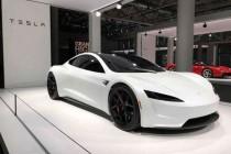 特斯拉首席设计师表示二代Roadster跑车量产版将比原型车更加出色
