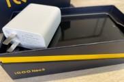 微博博主爆料:iQOO Neo5采用66W功率充电头、30分钟充满手机